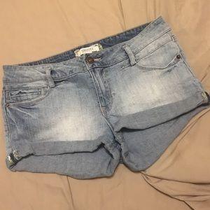 Forever 21 Denim Short Shorts Size 29